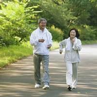 """我正在参加""""最健康中老年""""评选活动,一起传播健康,赢健康大礼包"""
